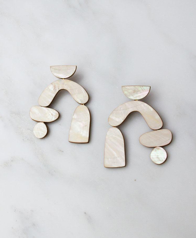 Серьги Cassia Earrings in Mother of Pearl