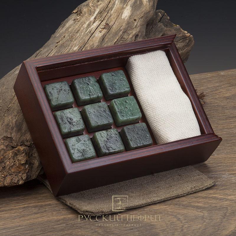 Камни для виски Камни для охлаждения виски из светло-зелёного нефрита. Набор 9шт. в деревянной коробочке. Кубики.jpg