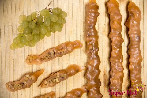 Чурчхела с грецким орехом и белым виноградом, SuperNut, 65 г