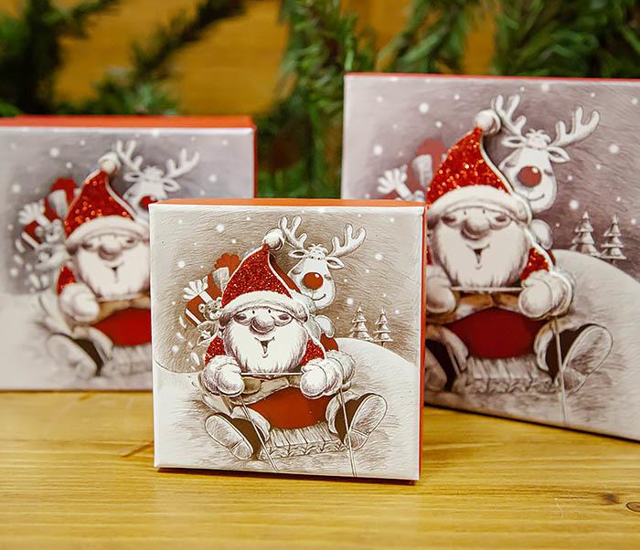 BOX260-2 Подарочная коробка «Дед Мороз на оленях» (11*11*8 см) фото 07