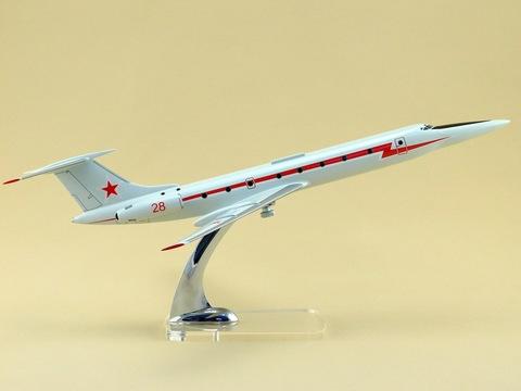 Модель самолета Ту-134 УБЛ (М1:100, ВВС, Красная полоса, звезда на киле)