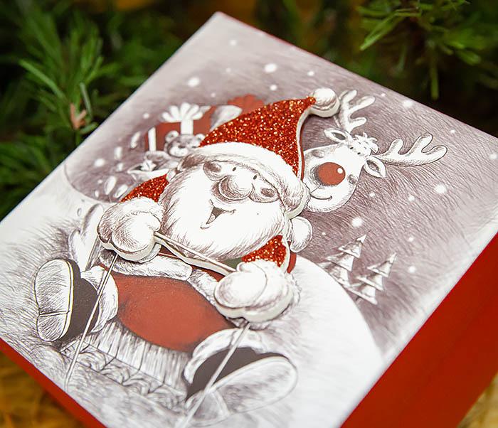 BOX260-2 Подарочная коробка «Дед Мороз на оленях» (11*11*8 см) фото 04
