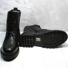 Черные грубые ботинки на тракторной подошве женские осень весна Misss Roy 252-01 Black Leather.