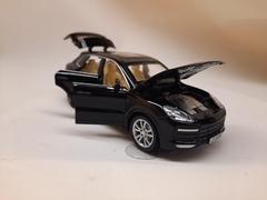 Металлическая Porsche Cayenne черная