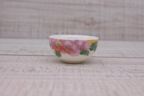 Чашка белая с цветами, фарфор , 30мл