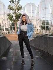 Синяя джинсовая куртка с мехом недорого
