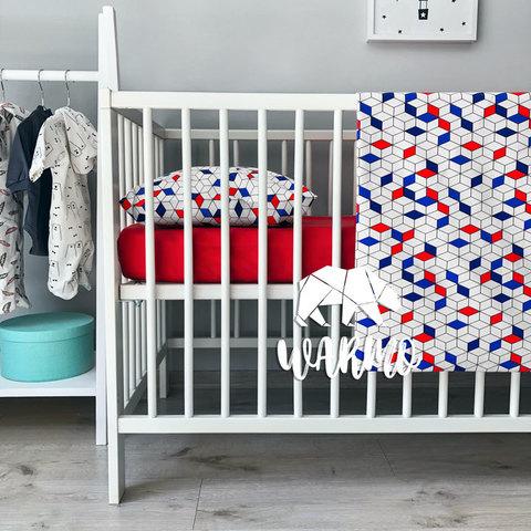 Дитяча постільна білизна з синіми і червоними геометричними фігурами фото