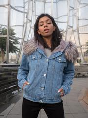 Синяя джинсовая куртка с мехом nadya
