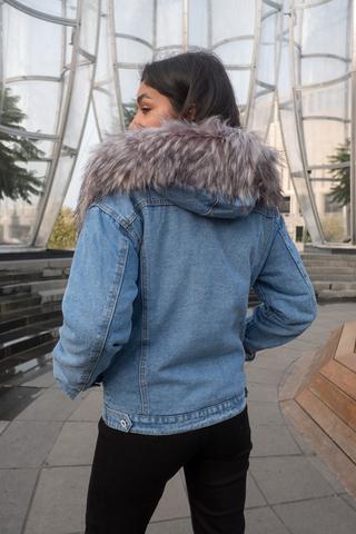 Синяя джинсовая куртка с мехом оптом