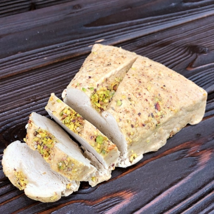 Фотография Халва арахисовая с грецким орехом / 500 гр купить в магазине Афлора
