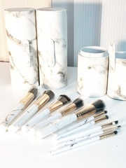 Набор кистей для макияжа в тубе