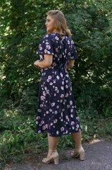 Ілона. Гарна сукня великих розмірів. Квіти синій.