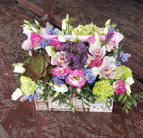 Ящик с цветами Сиреневый 3