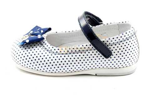Туфли ELEGAMI (Элегами) из натуральной кожи для девочек, цвет белый в синий горошек. Изображение 3 из 12.