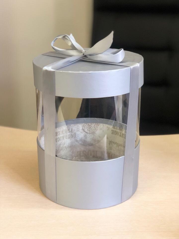 Коробка аквариум 18 см Цвет : Серебро . Розница 350 рублей .