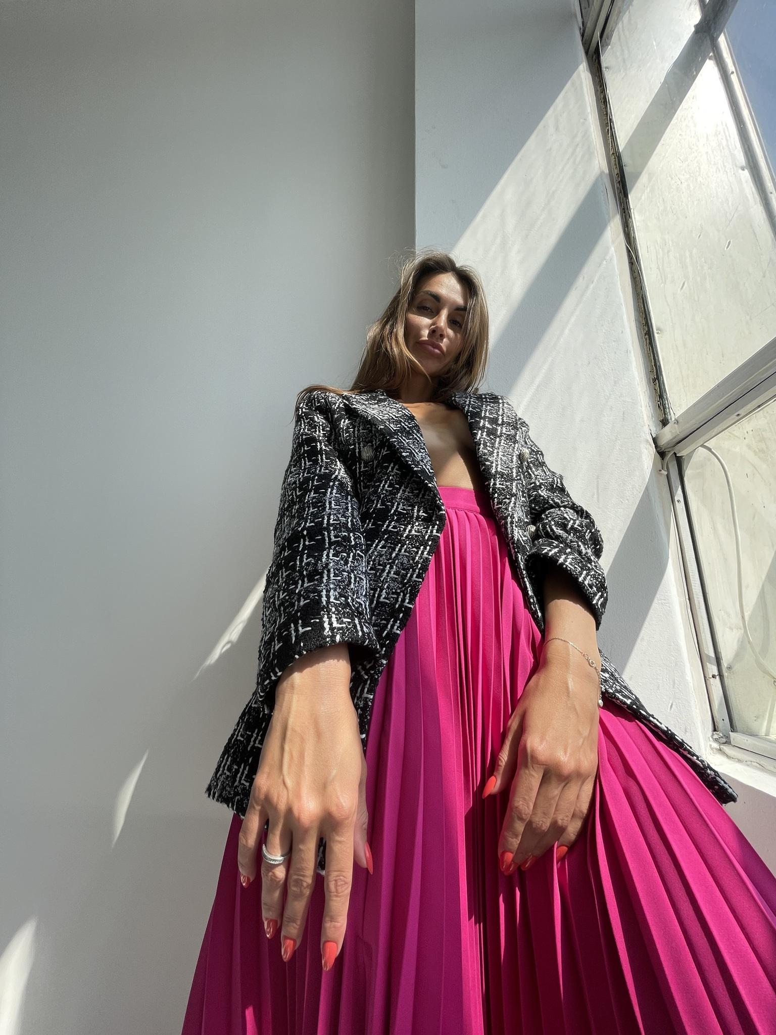 Пиджак двубортный из буксированной ткани с отделкой из металлических пуговиц