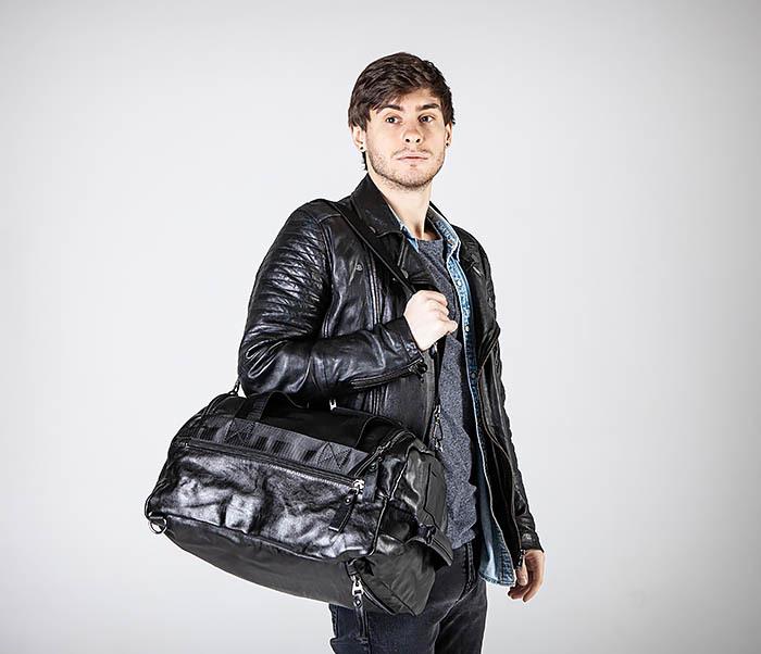 BAG554 Кожаный рюкзак трансформер черного цвета