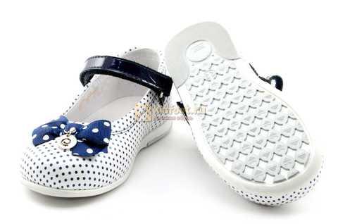 Туфли ELEGAMI (Элегами) из натуральной кожи для девочек, цвет белый в синий горошек. Изображение 8 из 12.