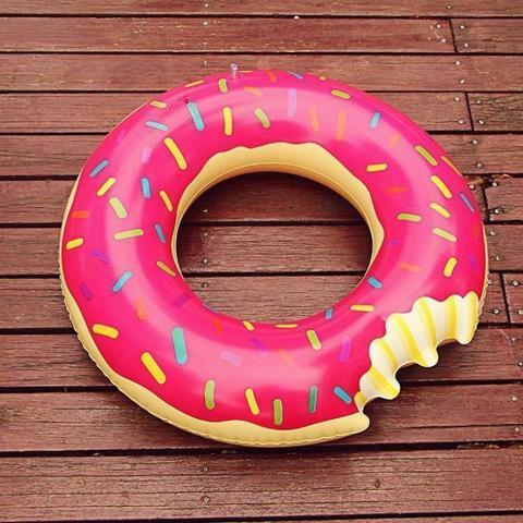 Надувной круг пончик розовый Donut 90см