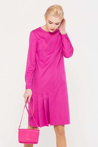 Фото ярко-розовое платье с круглым вырезом горловины прямого силуэта и асимметричными складками снизу - Платье З388-194 (1)