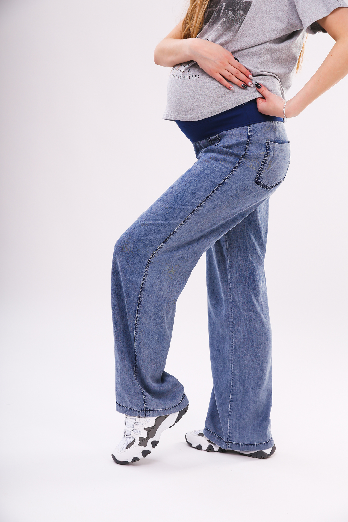 Фото джинсы для беременных MAMA`S FANTASY, широкие, трикотажная вставка, средняя посадка от магазина СкороМама, синий, размеры.