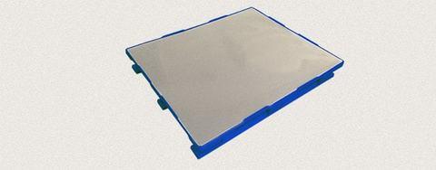 Поддон пластиковый сплошной 1200x1000x160 мм с полозьями, усиленный металлическим профилем. Цвет: Синий