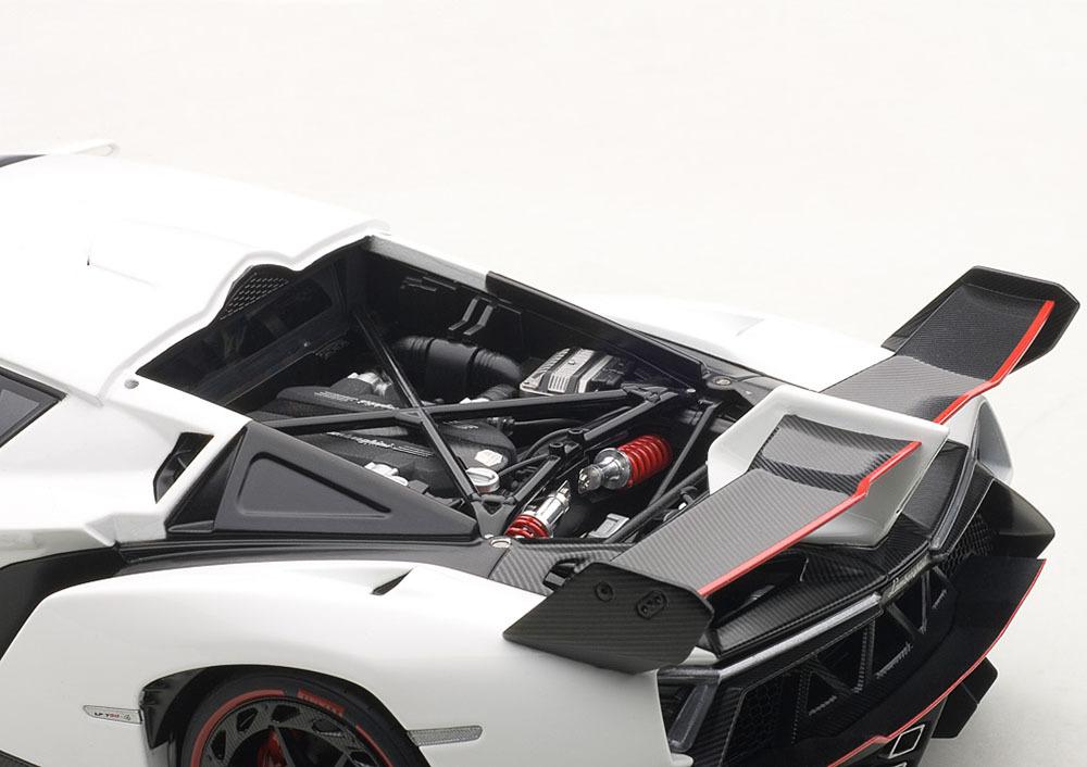 Коллекционная модель Lamborghini Veneno Geneva ShowCar 2013 Bianco Monocerus/White.