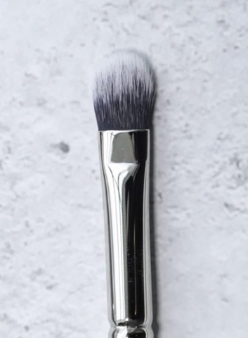 Кисть для нанесения и растушевки кремовых теней/консилера T10 Piminova Brushes