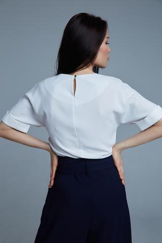 Костюм с широкими синими брюками оптом