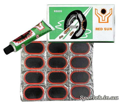 Ремкомплект для ремонта велосипедных камер и резиновых изделий: 12 резиновых латок (7х4,5 см) и клей