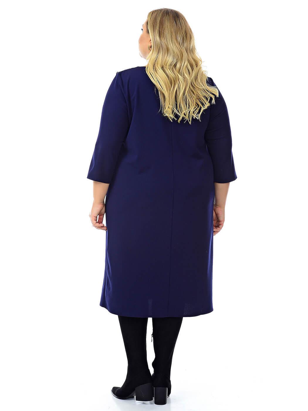 Платье из крепа и шифона, с украшением