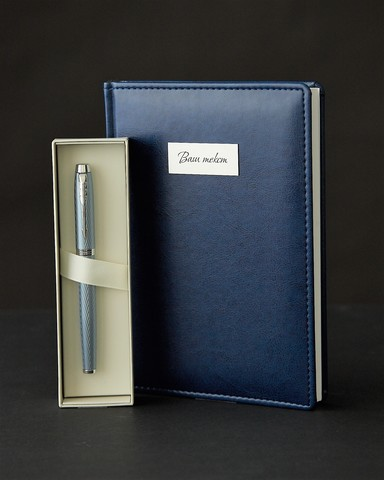 Набор с гравировкой: Ежедневник и ручка роллер Parker IM Premium T318 Blue Grey CT