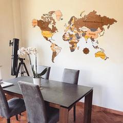 Карта Мира из дерева Color фото в интерьере