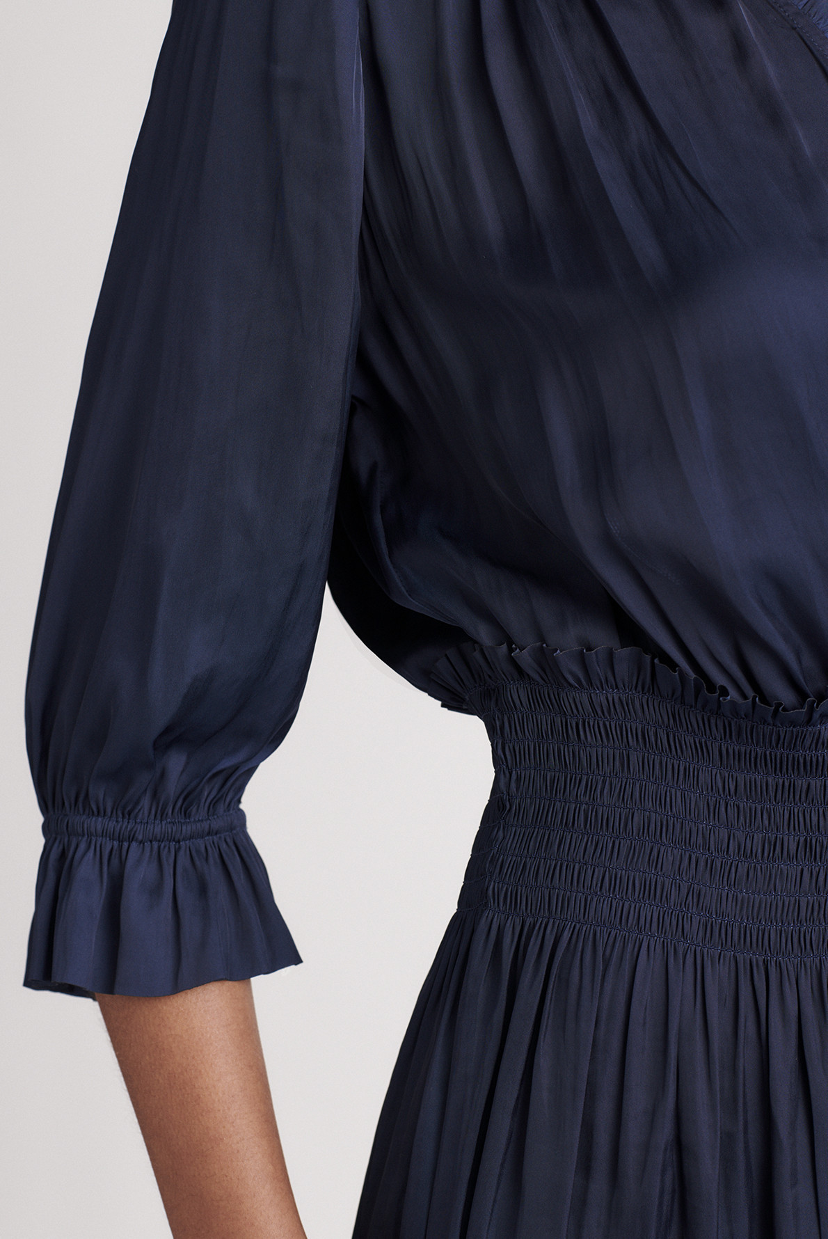 SWANN - Платье из струящейся ткани