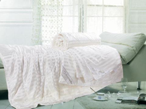 Одеяла Asabella натуральный шелк в шелке