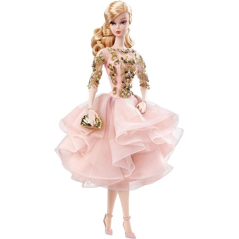 Барби Силкстоун в розово-золотом коктейльном платье