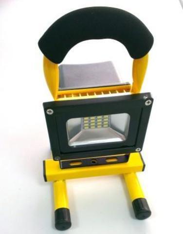Прожектор переносной 10W 900Lm. аккумуляторный