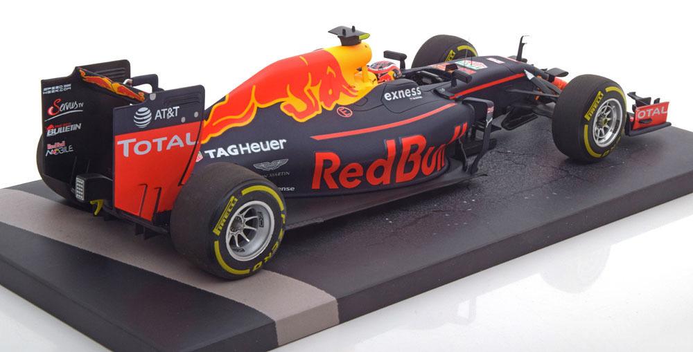 Коллекционная модель Red Bull Racing Tag-Heuer RB12 Daniil Kviat 2016