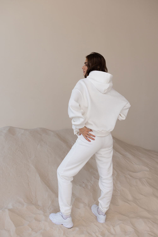 Утеплённое худи с карманом кремового цвета