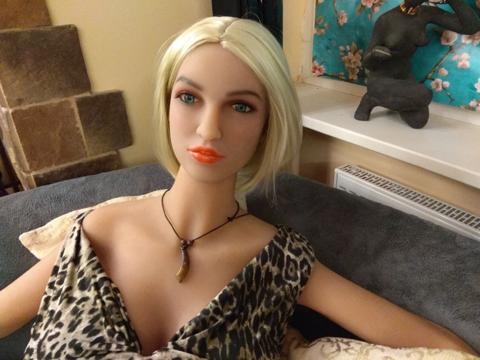 Секс кукла Мира