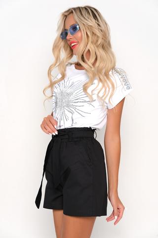 <p>Супер шорты на летние деньки! Талия на резинке с поясом, удобная посадка, функциональные карманы.&nbsp;</p>