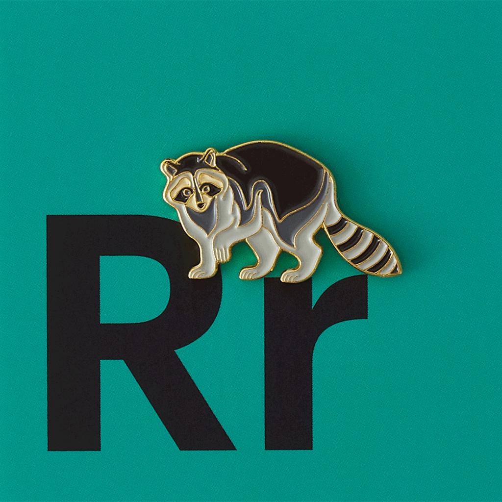 Значок металлический Зоопарк: Енот