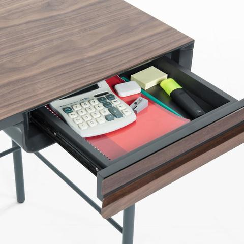 Стол письменный Mahon 120x60 ореховый шпон