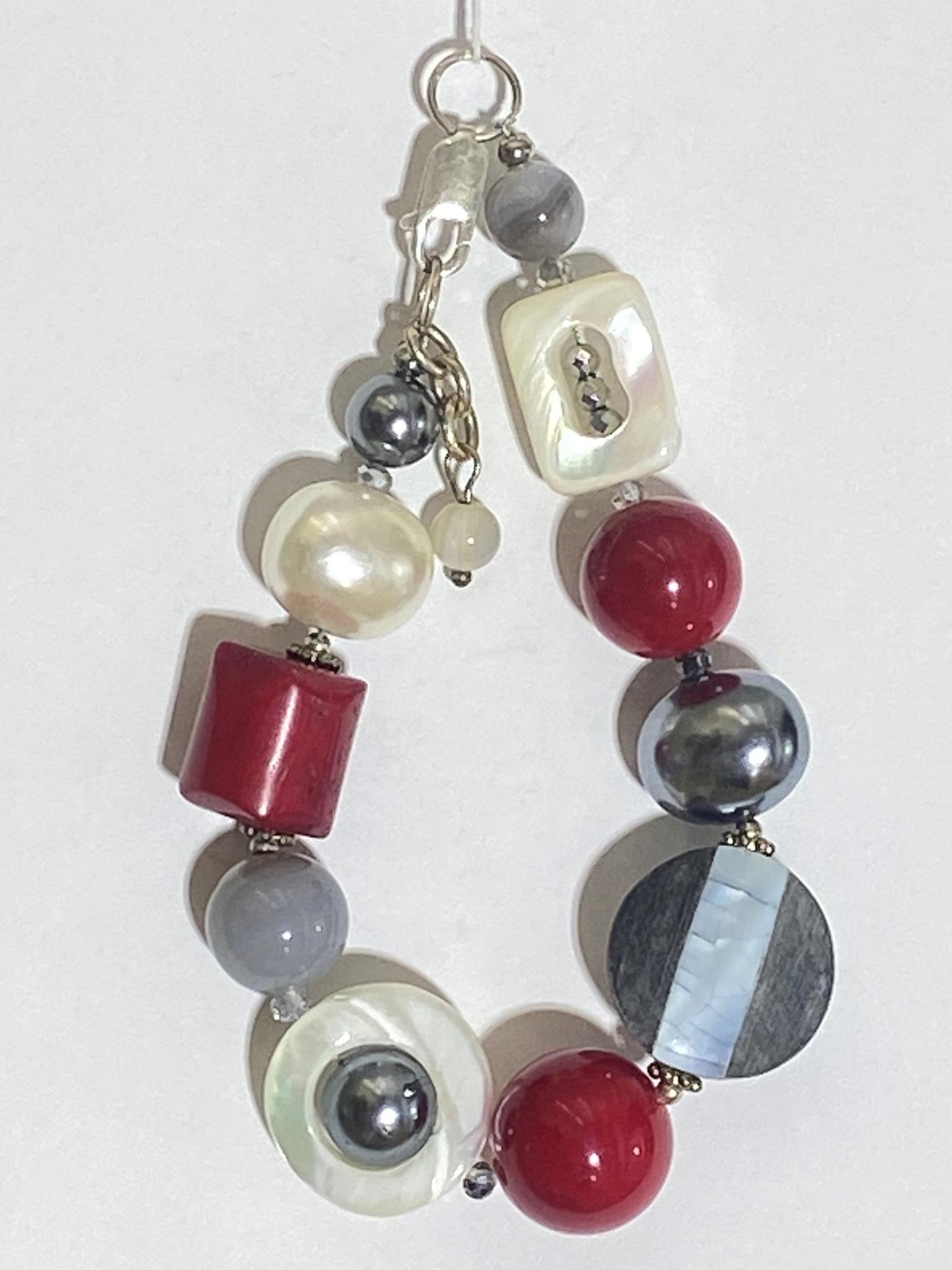 809-коралл  (браслет из натуральных камней)