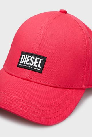 Малиновая кепка CORRY Diesel