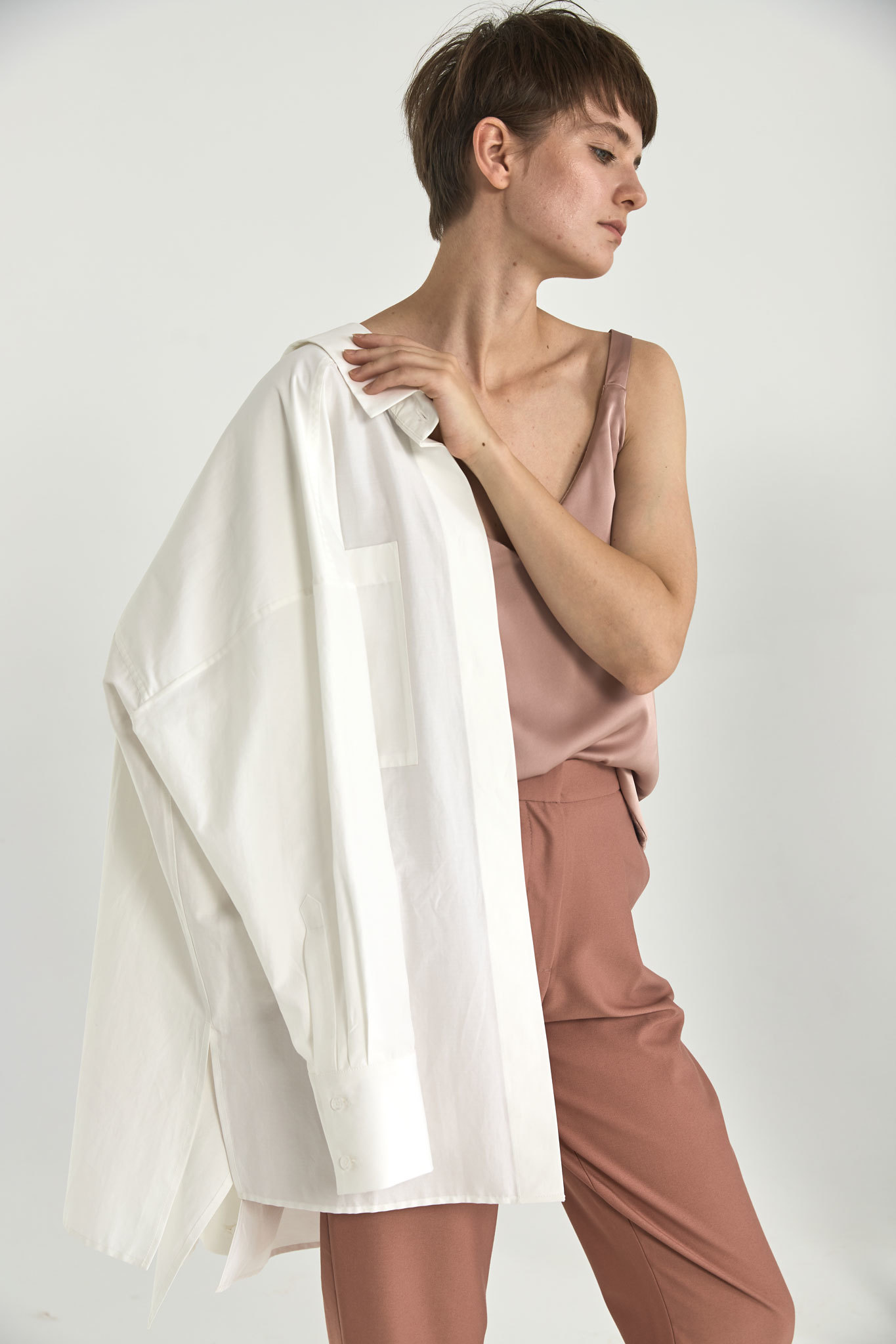 Рубашка оверсайз в мужском стиле, белый