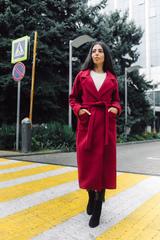 Бордовое пальто из кашемира недорого