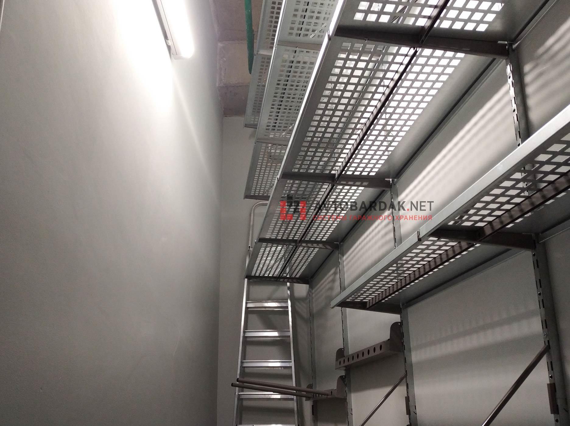 Проект № 13: кладовка 4,8 кв.м (вытянутая, трапецевидная, высокая).