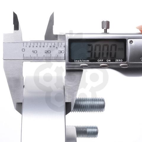 Проставка-адаптер с направляющей PCD 6x139.7 DIA 110,5 толщина 30 мм, M12X1.5X30