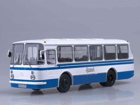 LAZ-695N Soviet summer camp Artek Soviet Bus (SOVA) 1:43